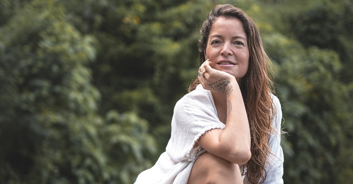 Behind-the-Scenes of Opening an Online Yoga Studio with Jasmin from Radiantly Alive